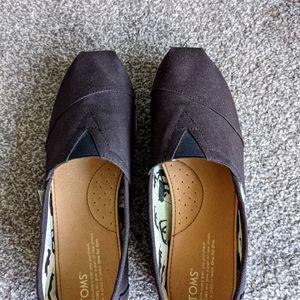 New Toms shoes black canvas 8.5